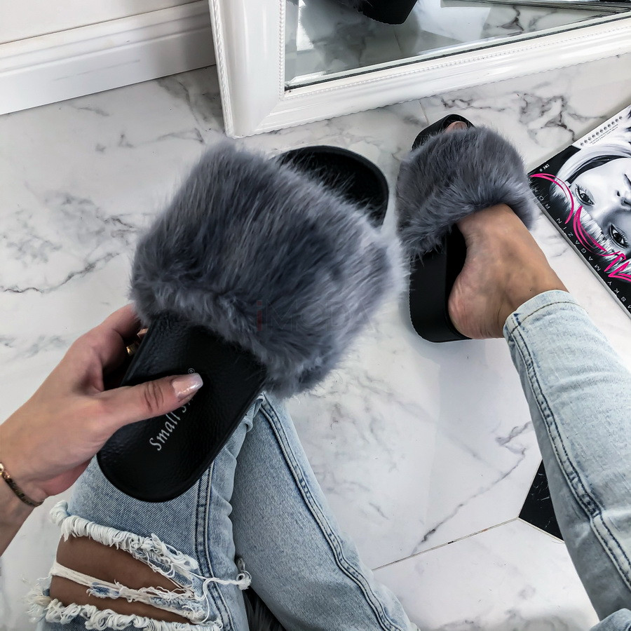 Sivé kožušinové šľapky na platforme-226287-32