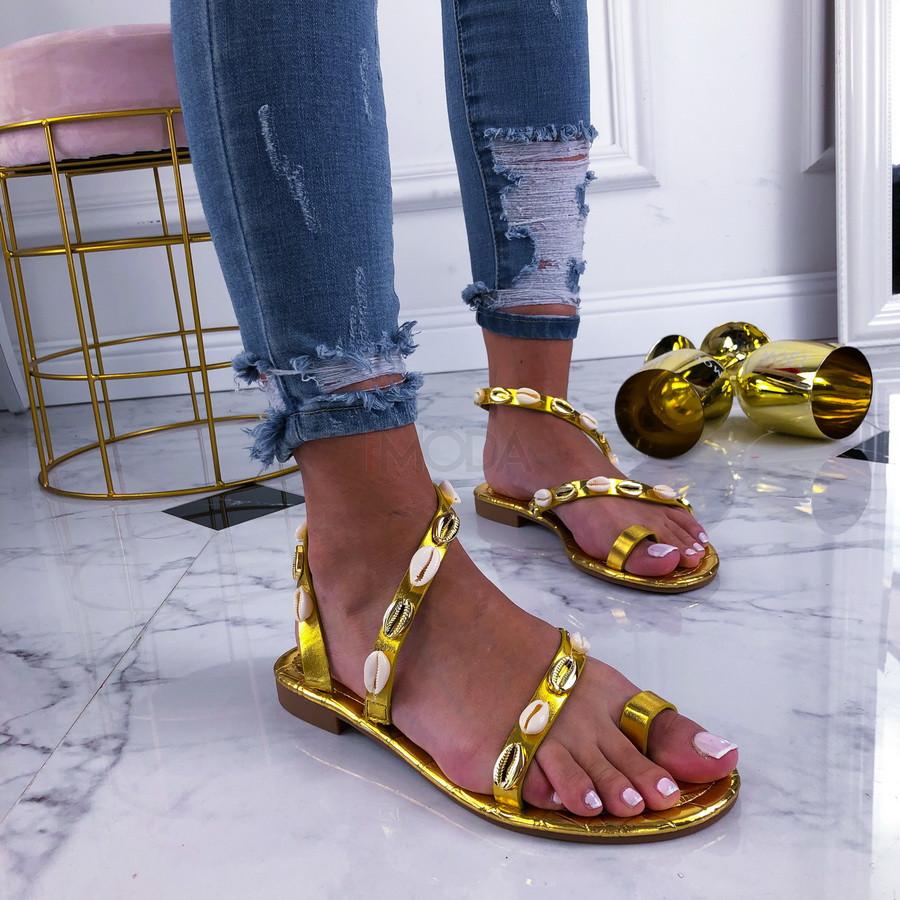 Zlaté sandálky zdobené mušličkami-210399-31
