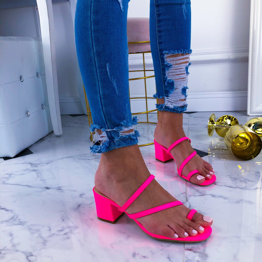 Neónovo-ružové sandálky-210929-32