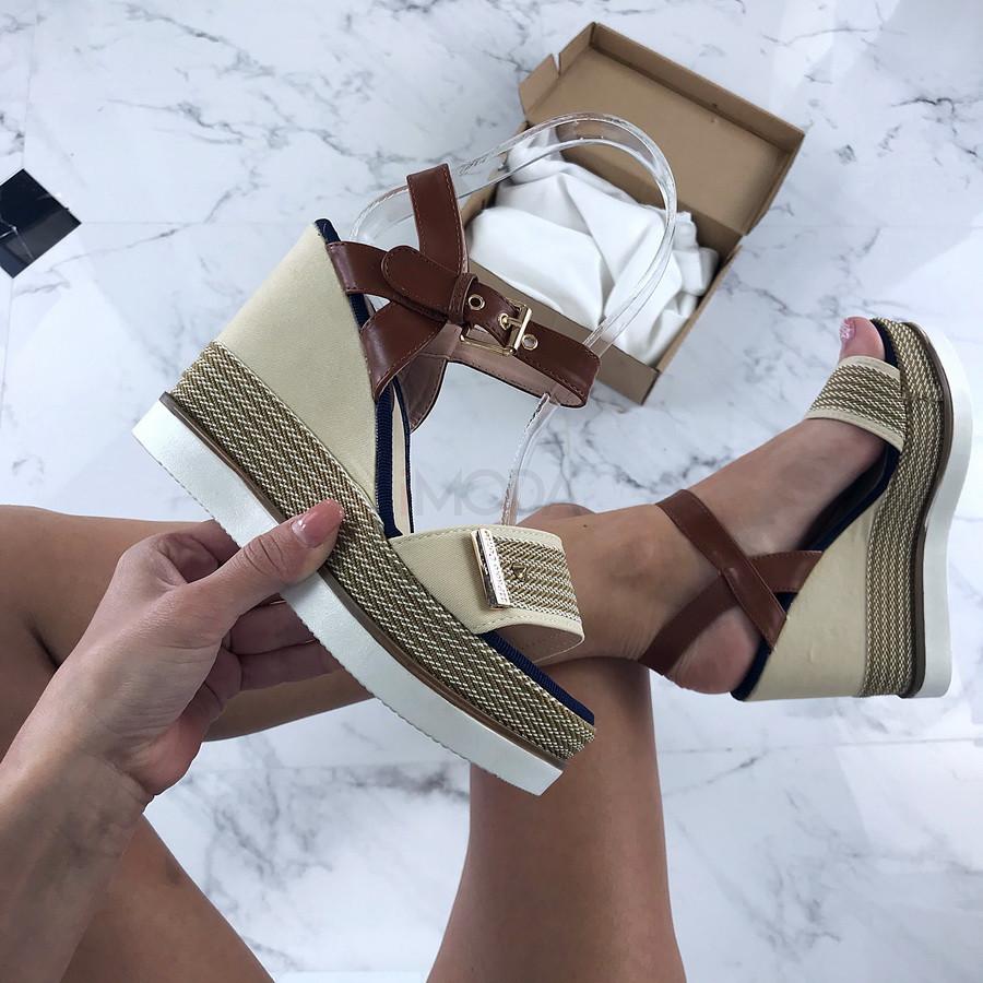 Béžové sandále na platforme-206034-33