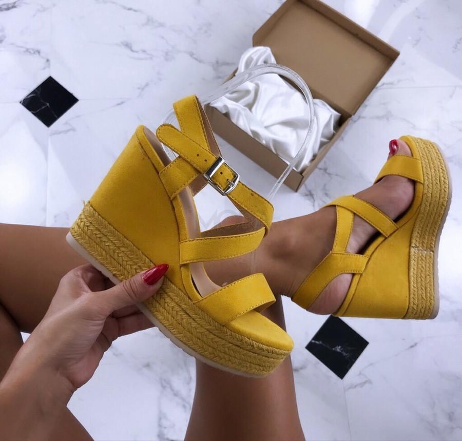 Dámske žlté sandálky na platforme-185461-32