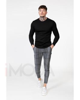 Čierny sveter