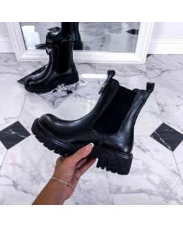 Čierne  nízke čižmy