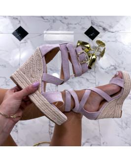 Fialové sandále na platforme