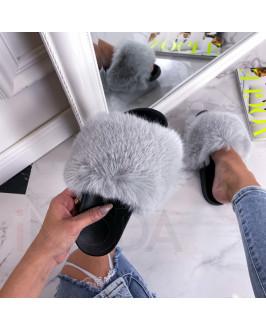 Sivé kožušinové šľapky