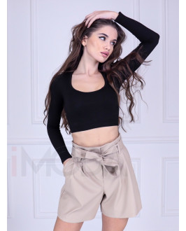 Béžové krátke koženkové nohavice