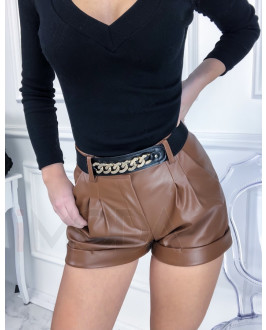 Hnedé krátke koženkové nohavice