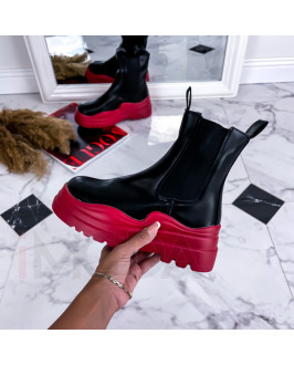 Čierno-červené nízke čižmy na platforme