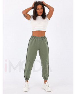 Zelené teplákové nohavice
