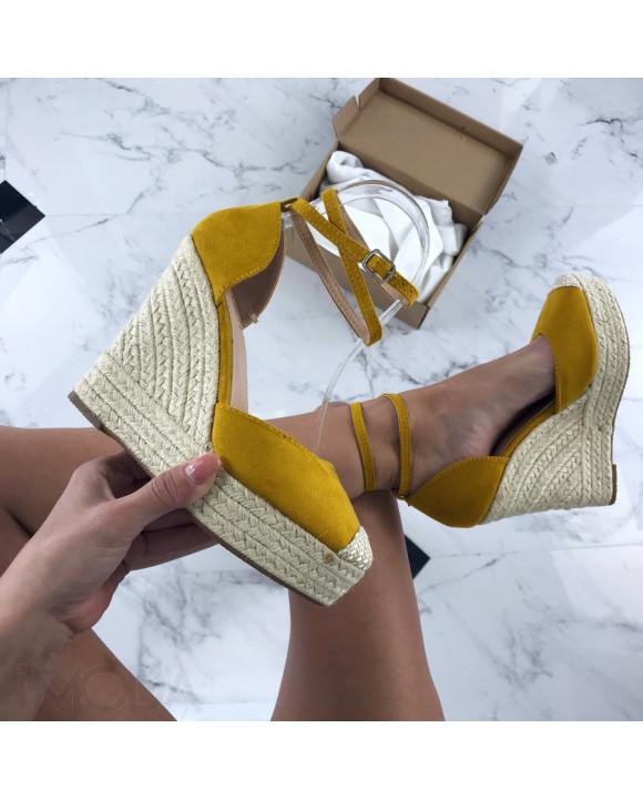 Žlté sandálky na platforme-205879-20