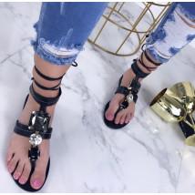 Čierne sandálky zdobené kamienkami-207515-03