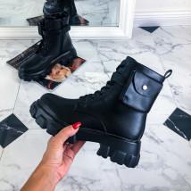 Čierne nízke čižmy s kapsičkou-219946-08