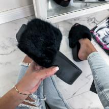 Čierne kožušinové šľapky na platforme-226266-02