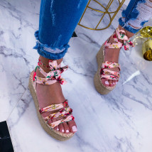 Ružové kvetované sandále na platforme-209668-01