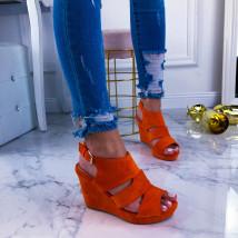 Oranžové sandálky na platforme-209612-01