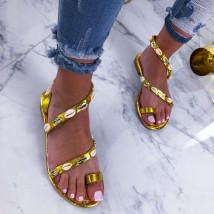 Zlaté sandálky zdobené mušličkami-210399-01