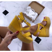 Dámske žlté sandálky na platforme-185461-02